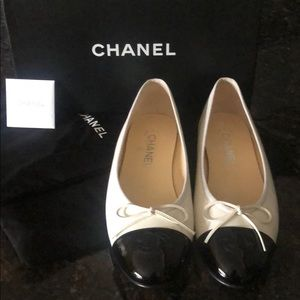 CHANEL Shoes - Black and white brand new Chanel ballet flats